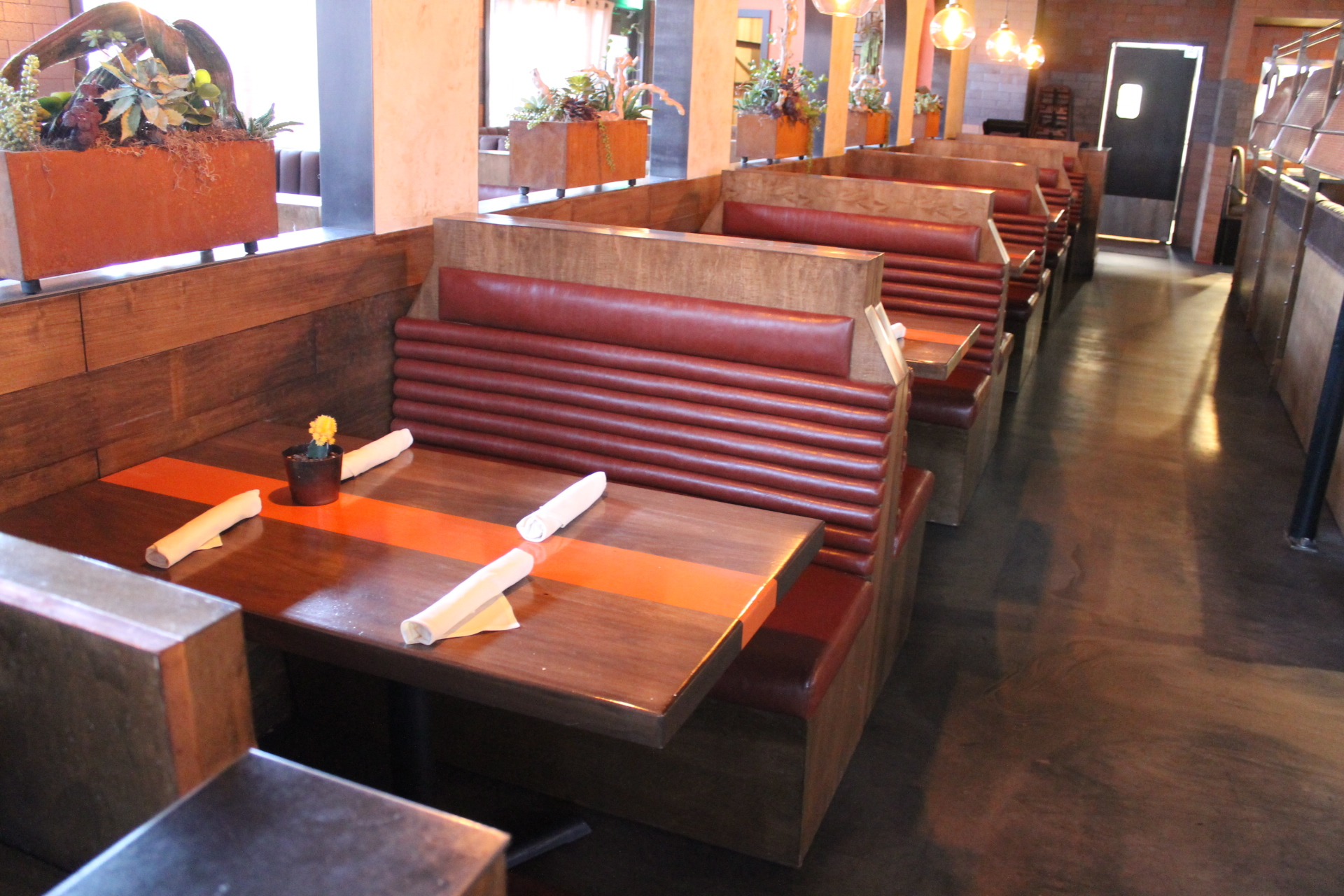 A leader in restaurant furniture upholstery and restaurant bench fabrication.